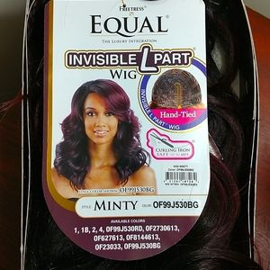 """Freetress Equal """"Minty"""" Invisible L Part Wig"""